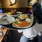 Tips Don't Add Up for Most Waiters and Waitresses (The <i>Wall Street Journal</i>)