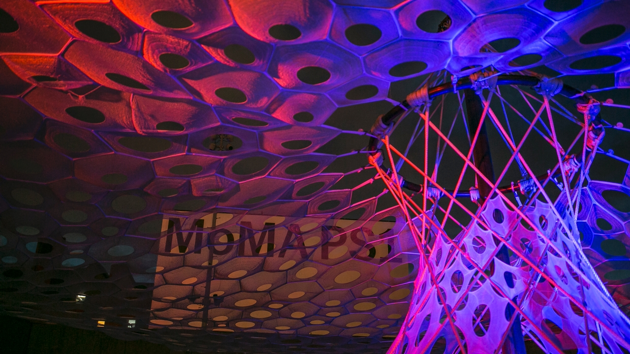a canopy of shifting light at moma ps1: 360-degree tour of jenny