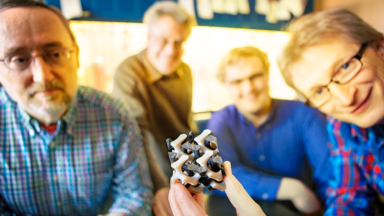 First self-assembled superconductor structure created