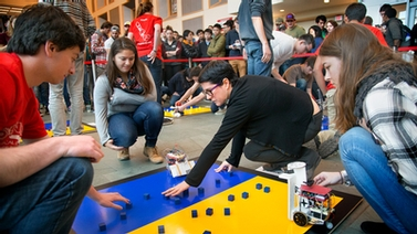 students compete in Cube Craze