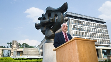 Jack Squier, MFA '52, sculptor and AAP Emeritus Professor of Art, speaks at the unveiling