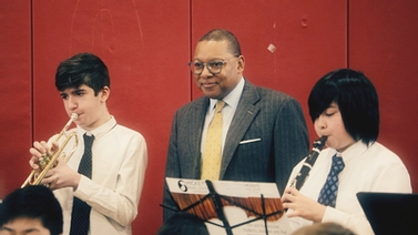Wynton Marsalis mentors students during Cornell visit